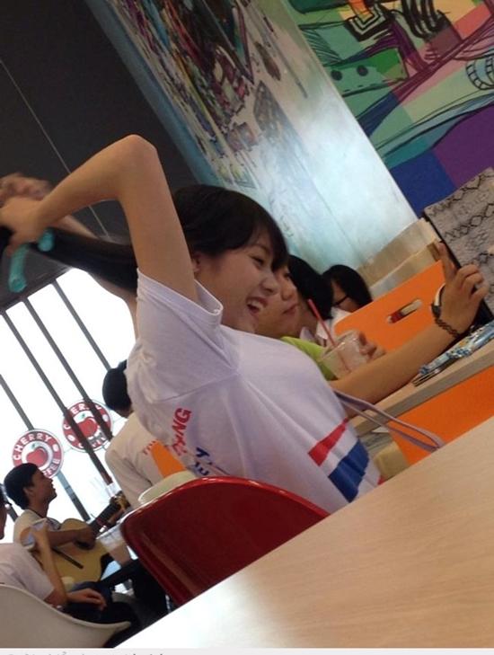 Nữ sinh Sài Thành bỗng nổi tiếng vì bị chụp ảnh lén quá xinh 7