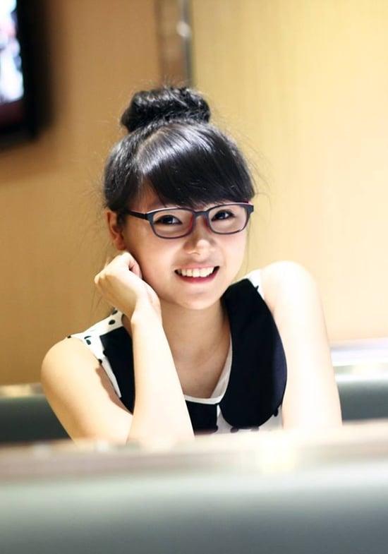 Nữ sinh Sài Thành bỗng nổi tiếng vì bị chụp ảnh lén quá xinh 9
