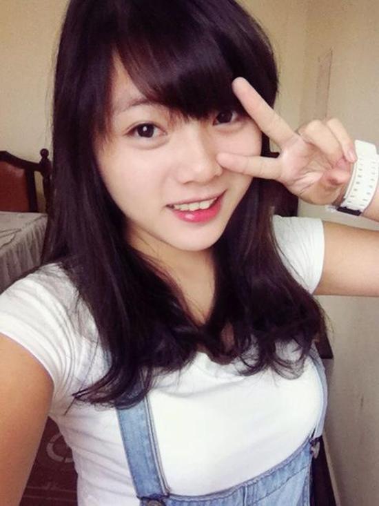 Nữ sinh Sài Thành bỗng nổi tiếng vì bị chụp ảnh lén quá xinh 10