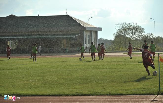 Hình ảnh U19 Việt Nam rèn bóng bổng để chống lại U19 Hàn Quốc số 12