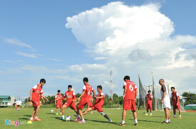 Hình ảnh U19 Việt Nam rèn bóng bổng để chống lại U19 Hàn Quốc số 2