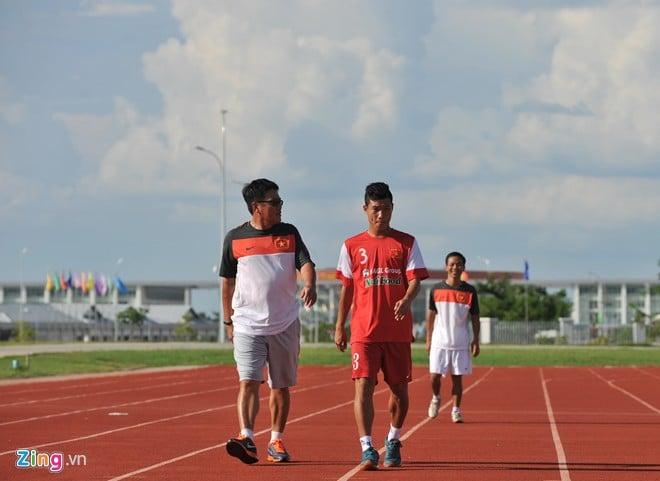Hình ảnh U19 Việt Nam rèn bóng bổng để chống lại U19 Hàn Quốc số 4