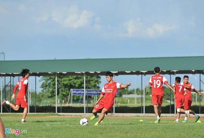 Hình ảnh U19 Việt Nam rèn bóng bổng để chống lại U19 Hàn Quốc số 5