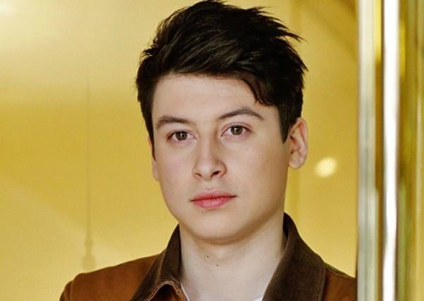 Hình ảnh Thần đồng công nghệ 18 tuổi đẹp trai, hot nhất của Yahoo số 1