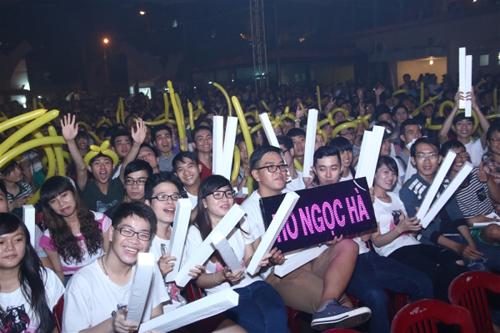 Hồ Ngọc Hà cháy hết mình trong đêm hát miễn phí dành cho sinh viên 6