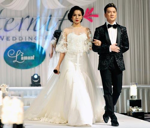Hà Hồ cởi phăng váy cưới trên sàn diễn 9