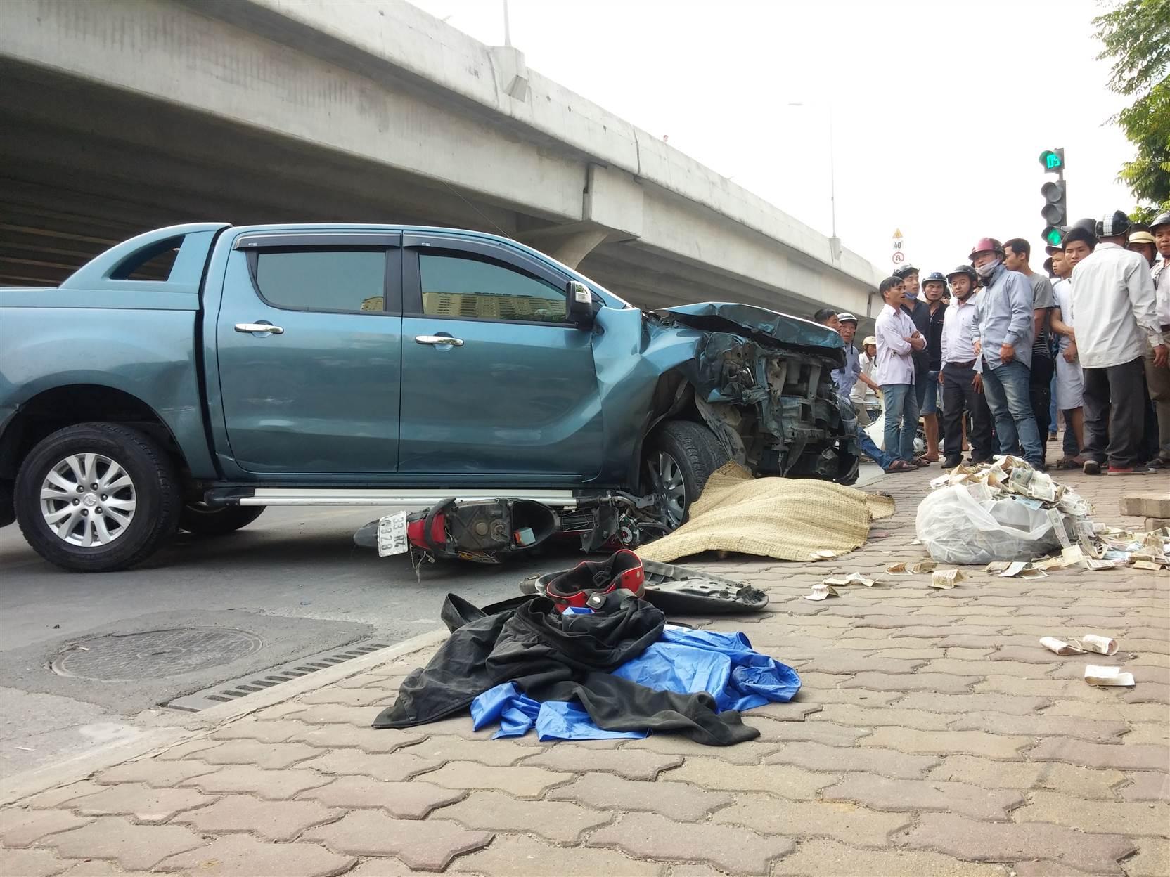 Hình ảnh Xe điên đâm chết cô gái trên đường Phạm Hùng, tài xế cười ngơ ngẩn số 6