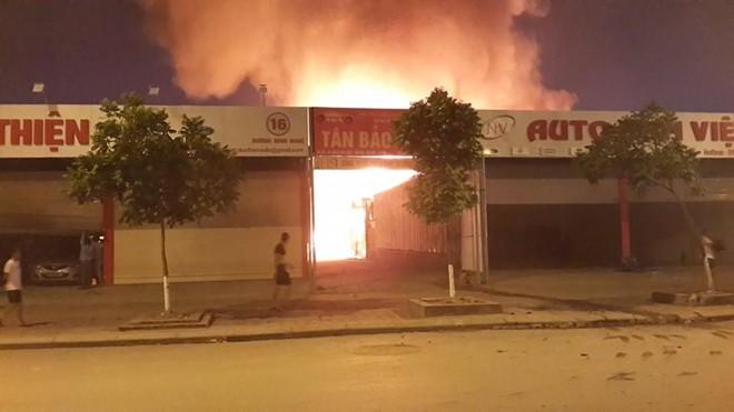 Cháy lớn gần tòa nhà Keangnam cao nhất Việt Nam 6