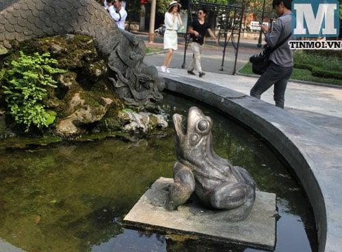 Cận cảnh hai đài phun nước hoành tráng nhất nhì Hà Nội 16