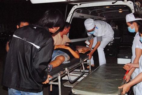 Đâm xe liên hoàn, 2 người chết thảm, 8 người bị thương 4