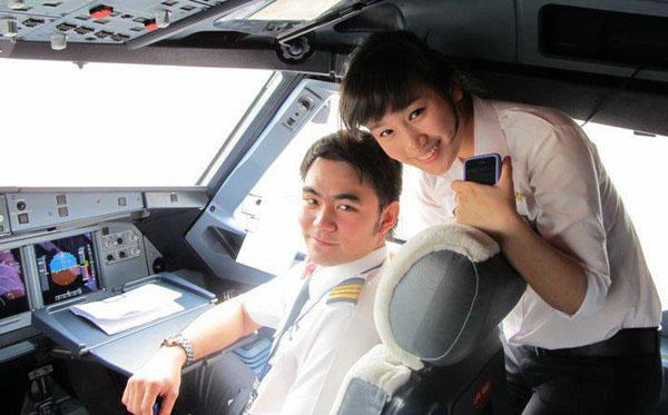 Hình ảnh Ngắm nữ phi công xinh như người mẫu nổi như cồn số 2