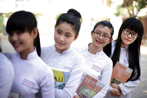 Dịch Vụ Cho Thuê Xe 29 Chỗ TPHCM Đi Du Lịch Cho HS - SV