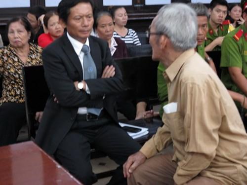 80 tuổi vẫn phải hầu tòa vì… 500 cây vàng 5