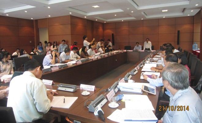 Đại biểu Quốc hội lo kinh tế Việt Nam tụt hậu 6