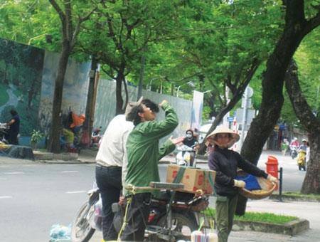 Thanh Hóa: Bán ca nước dừa 200 nghìn, bị phạt hơn 12 triệu 5