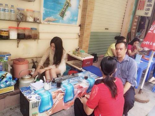 Hot girl bán trà đá tại Hà Nội gây sốt cộng đồng mạng 5
