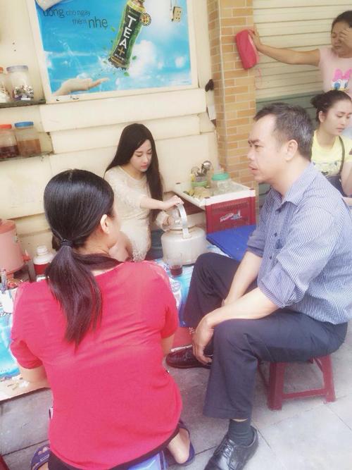 Hot girl bán trà đá tại Hà Nội gây sốt cộng đồng mạng 6