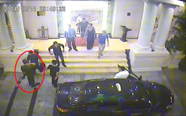 Vụ hỗn chiến ở khách sạn 4 sao: Người mang súng AK là thiếu úy công an 4