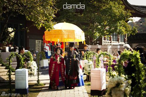 Chae Rim và Cao Tử Kỳ tổ chức đám cưới như phim cổ trang 5