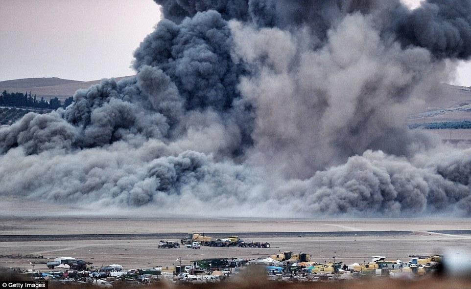 Mỹ không kích như vũ bão xóa sổ biểu tượng IS ở Kobane 10