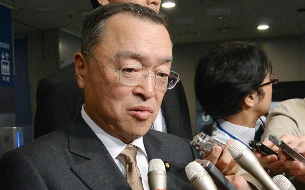 Vừa nhậm chức, tân Bộ trưởng Nhật đã dính bê bối với câu lạc bộ sex 4
