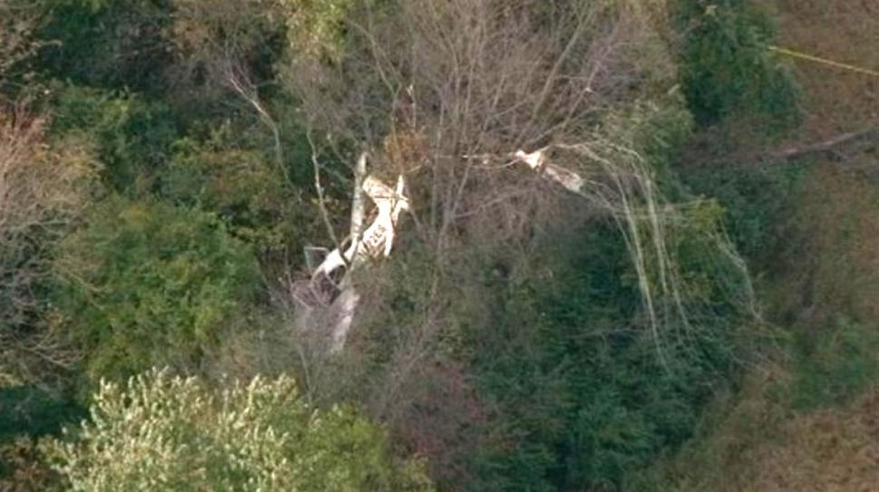 Trực thăng đâm nhau gần sân bay, 5 người thương vong 8