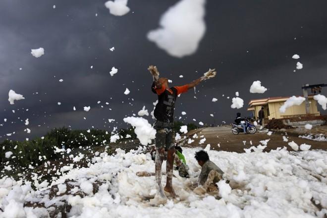 Cận cảnh cuộc sống trẻ em những nơi bẩn nhất thế giới 6