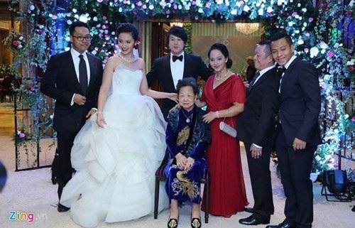 Ái nữ, thiếu gia con nhà giàu Việt xúng xính váy cưới sang trọng 8