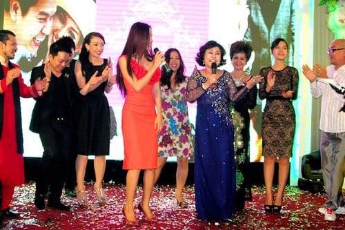 Ái nữ, thiếu gia con nhà giàu Việt xúng xính váy cưới sang trọng 7