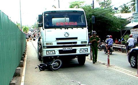 Vụ xe bồn cán chết sản phụ: Bắt tạm giam tài xế 4