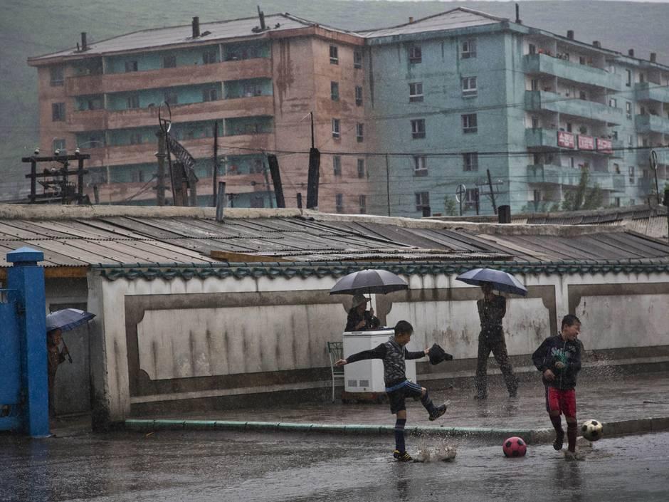 Những hình ảnh chưa từng biết về cuộc sống nông thôn Triều Tiên 11