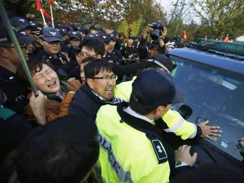 Hàn Quốc: Đụng độ vì ngăn chặn rải truyền đơn sang Triều Tiên 8