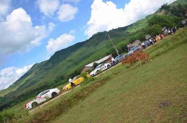Đoàn siêu xe rước dâu gây xôn xao quê nghèo Bình Định 9