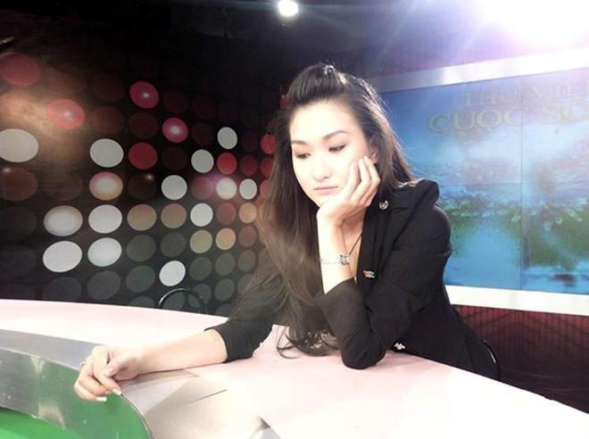 Hình ảnh Những nữ MC trẻ xinh đẹp của VTV số 8