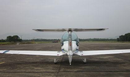 Đẳng cấp đại gia Thanh Hóa: Dinh thự trắng 50.000 m2, 4 máy bay 12