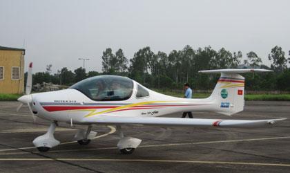 Đẳng cấp đại gia Thanh Hóa: Dinh thự trắng 50.000 m2, 4 máy bay 13