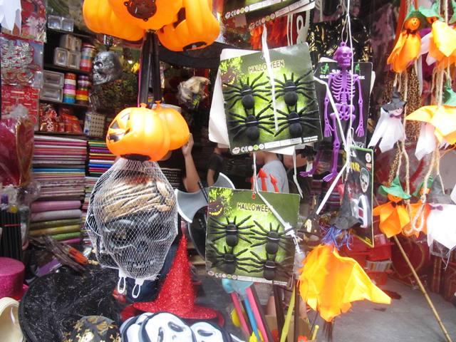 Thị trường Halloween :  Mới lạ, độc đáo và giá rẻ 6