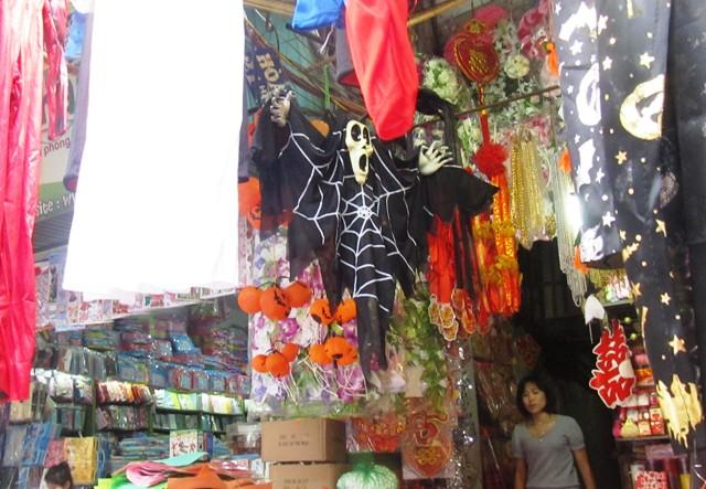 Thị trường Halloween :  Mới lạ, độc đáo và giá rẻ 7