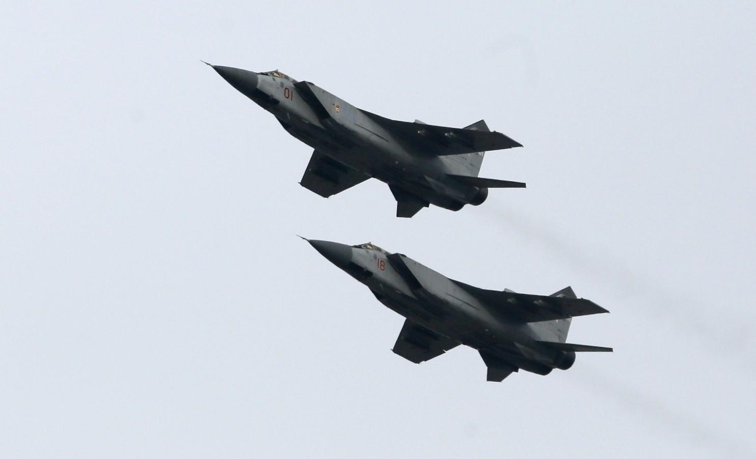 NATO bất an vì hàng loạt chuyến bay