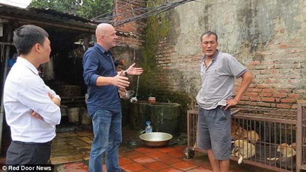 Báo Anh phê phán nặng nề cảnh giết thịt chó tại Việt Nam 8