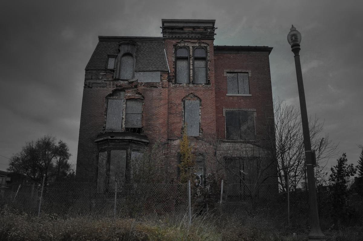 13 biệt thự bỏ hoang đáng sợ ở Mỹ 6