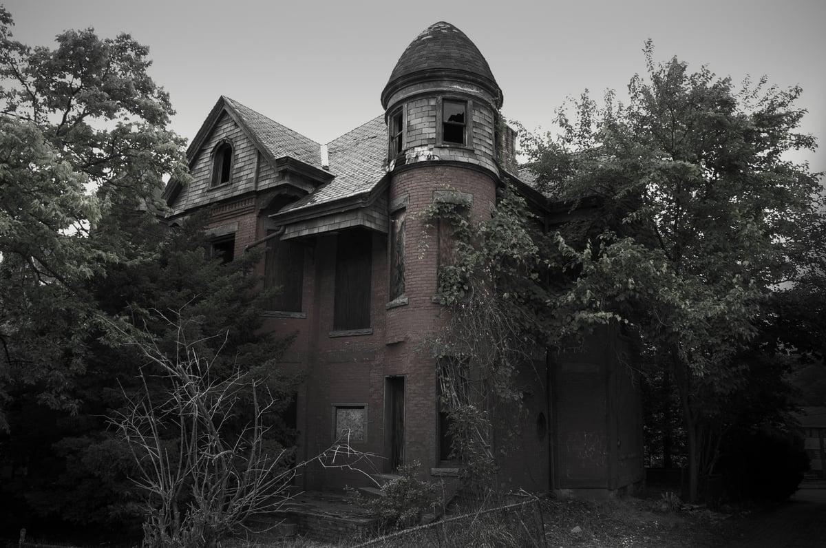 13 biệt thự bỏ hoang đáng sợ ở Mỹ 13