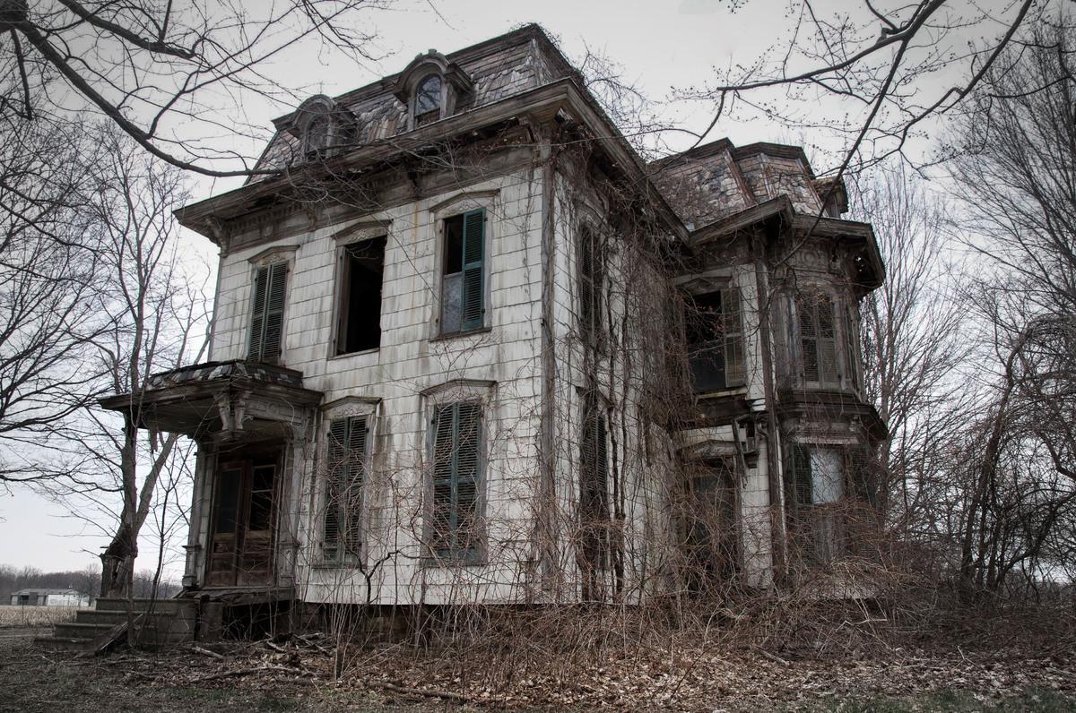 13 biệt thự bỏ hoang đáng sợ ở Mỹ 11
