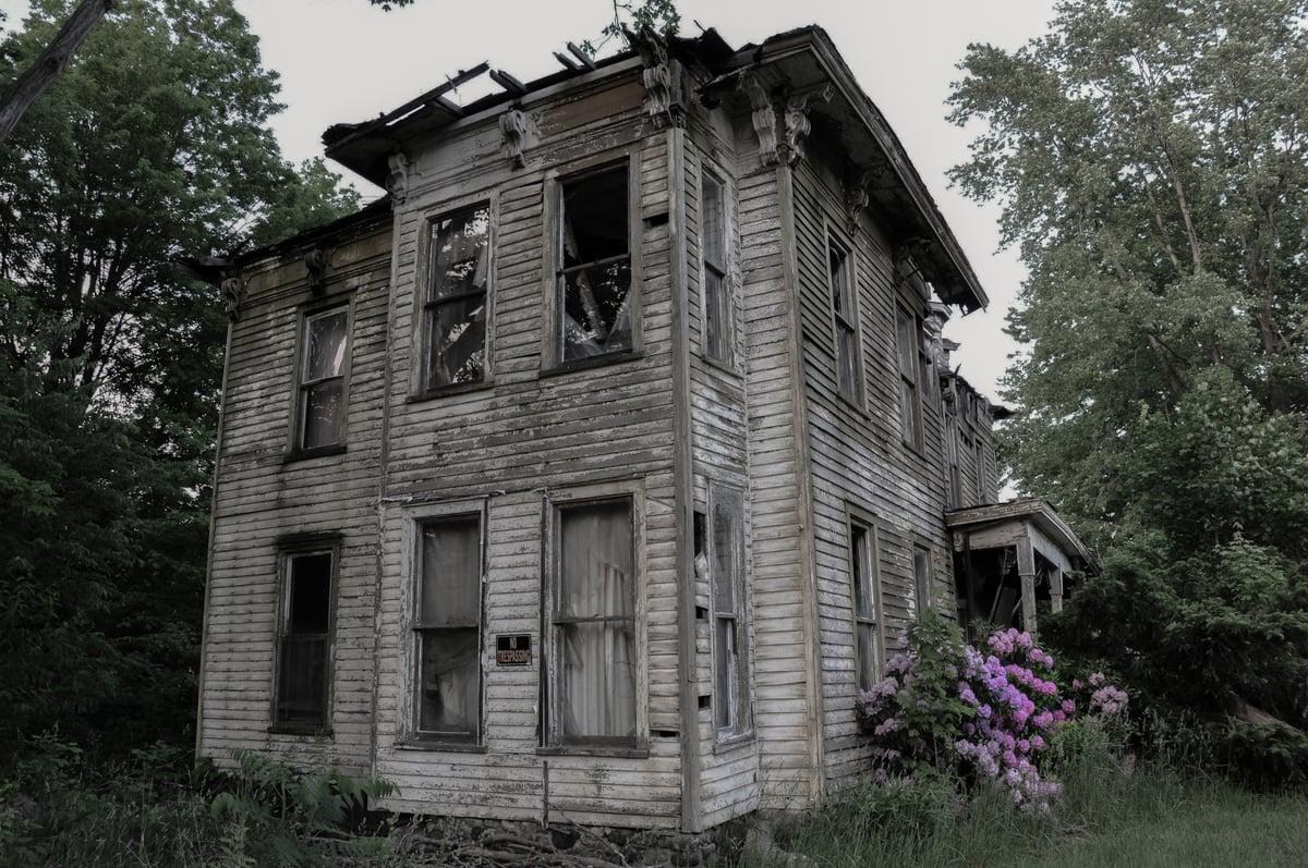 13 biệt thự bỏ hoang đáng sợ ở Mỹ 17