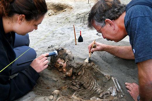 Phát hiện khu mộ tập thể 800 tuổi chứa hài cốt trẻ em mất tim ở Peru 6
