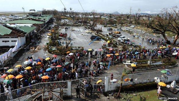 Cuộc chiến sinh tử như phim bom tấn trong siêu bão Haiyan 7