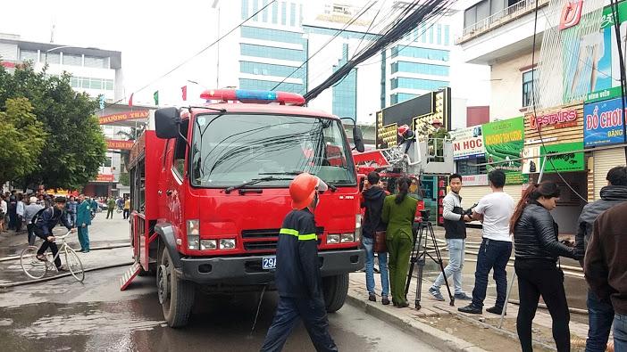 Hỏa hoạn tại nhà hàng trên đường Nguyễn Quý Đức 6