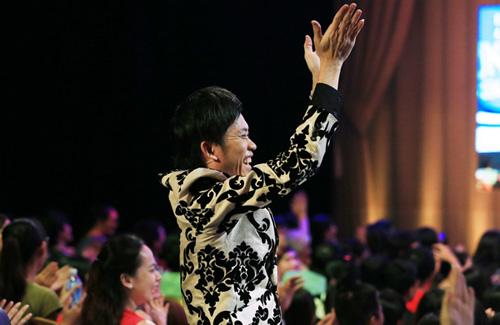 Hoài Linh công khai nói yêu Hari Won trên sóng truyền hình 5