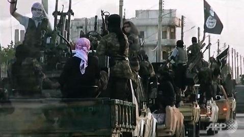 """LHQ """"đánh"""" vào đoàn xe chở dầu, cắt đứt nguồn cung triệu đô của IS 5"""