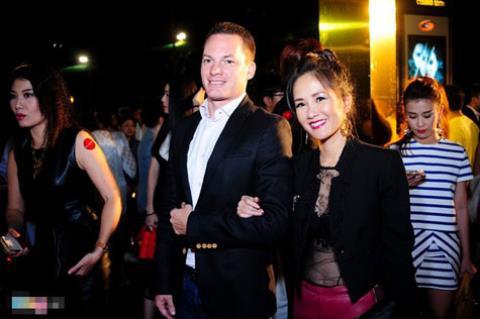 Những chàng rể ngoại quốc đại gia của showbiz Việt 10
